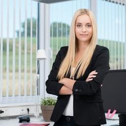 Automobilkaufmann/frau Ausbildung - Einstellungstest und Gehalt
