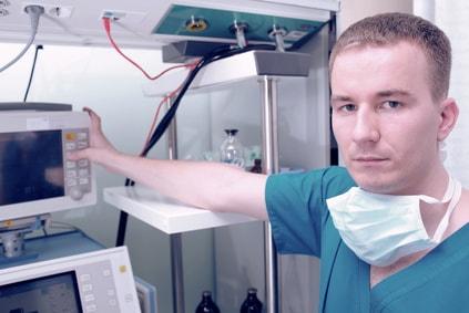 Operationstechnische/r Assistent/in - Voraussetzungen und Gehalt