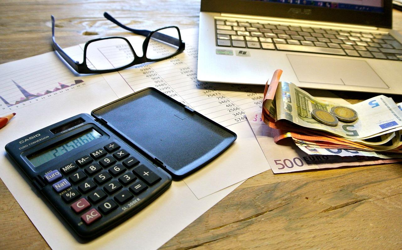 Steuererklärungen erfordern Zeit und Ruhe. Wer übers Jahr fleißig Belege sammelt, geht die Arbeit leicht von der Hand.